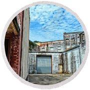 Hdr Alley Round Beach Towel