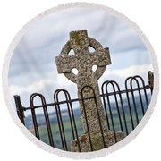 Hill Of Tara Celtic Cross Round Beach Towel