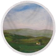 Hills Of Ireland Round Beach Towel