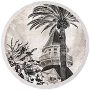 Round Beach Towel featuring the photograph Hotel Del Coronado by Peggy Hughes