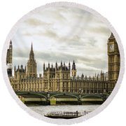 Houses Of Parliament On The Thames Round Beach Towel