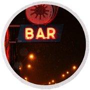 Hub Bar Snowy Night Round Beach Towel