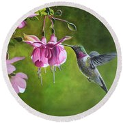 Hummingbird And Fuschia Round Beach Towel