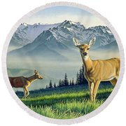 Hurricane Ridge-blacktails Round Beach Towel