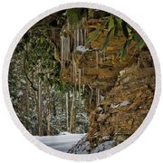 Icicles In Wv Round Beach Towel