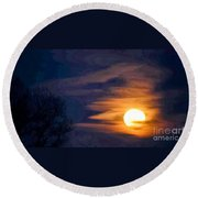 In God's Hand Round Beach Towel