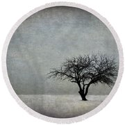 In The Bleak Of Midwinter Round Beach Towel