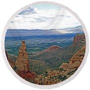 Independence Monument In Colorado National Monument Near Grand Junction-colorado Round Beach Towel