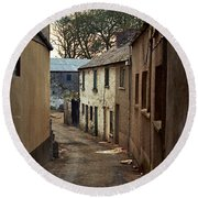Irish Alley 1975 Round Beach Towel