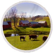 Jenne Farm In Autumn Round Beach Towel