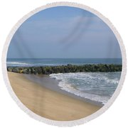 Jetty In Winter Round Beach Towel