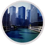 Kayaks On The Chicago River Round Beach Towel