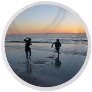 Round Beach Towel featuring the photograph Kids At The Beach by Robert Meanor