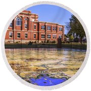 Kiowa County Courthouse With Mural - Hobart - Oklahoma Round Beach Towel