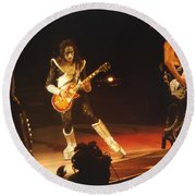Kiss-b33a-1 Round Beach Towel