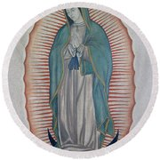 La Virgen De Guadalupe Round Beach Towel