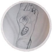 Round Beach Towel featuring the drawing Labyrinth Foot Pie Laberinto by Lazaro Hurtado