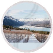 Lake Chelan In Winter Round Beach Towel
