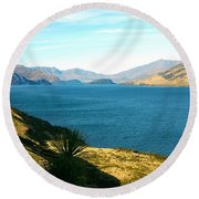 Round Beach Towel featuring the photograph Lake Hawea by Stuart Litoff