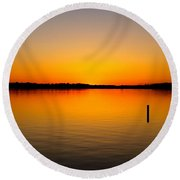 Lake Independence Sunset Round Beach Towel