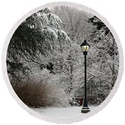 Lamp Post In Winter Round Beach Towel