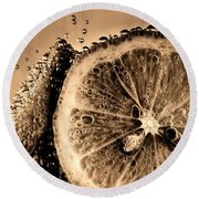 Lemon Slices In Fizzy Water Old Style Round Beach Towel