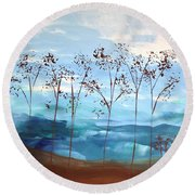 Light Breeze Round Beach Towel