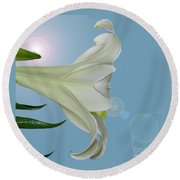 Lily Light Round Beach Towel