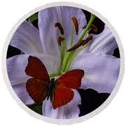 Lily With Red Butterfly Round Beach Towel