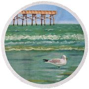 Lone Gull A-piers Round Beach Towel