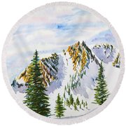 Lone Tree In The Morning Round Beach Towel
