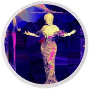 Mae West. Ladies Embrace Your Curves Round Beach Towel
