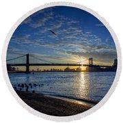 Manhattan Sunset Round Beach Towel
