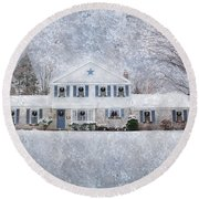 Wintry Holiday Round Beach Towel