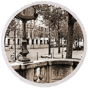 Metro Franklin Roosevelt - Paris - Vintage Sign And Streets Round Beach Towel