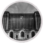 Michigan Central Station Bw Round Beach Towel