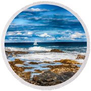 Midday Sail Round Beach Towel