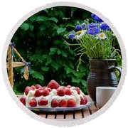 Midsummer Table Round Beach Towel