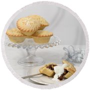 Mince Pies With Cream Round Beach Towel