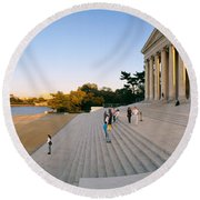 Monument At The Riverside, Jefferson Round Beach Towel