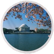 Monument At The Waterfront, Jefferson Round Beach Towel