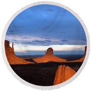 Monument Valley @ Sunset 2 Round Beach Towel