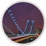 Moon Rise Over The George Washington Bridge Round Beach Towel
