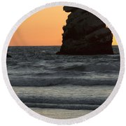 Morro Beach Sunset Round Beach Towel