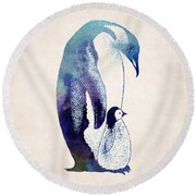 Mother And Baby Penguin Round Beach Towel