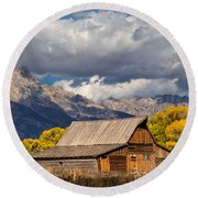 Moulton Barn In The Tetons Round Beach Towel