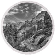 Mount Pilchuck Black And White Round Beach Towel