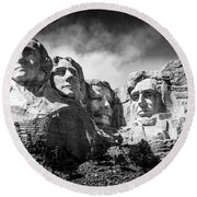 Mount Rushmore National Memorial In Black And White Round Beach Towel