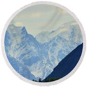 Mountains Near Matanuska Glacier Round Beach Towel