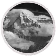 102496-mt. Robson Wreathed In Clouds Round Beach Towel